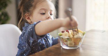 samostalno hrani