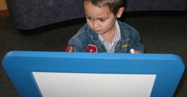 potaknuti dijete da uči pisati