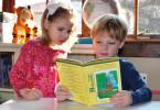 dijete koje više voli knjigu