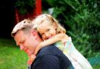 pažljiviji prema kćerima
