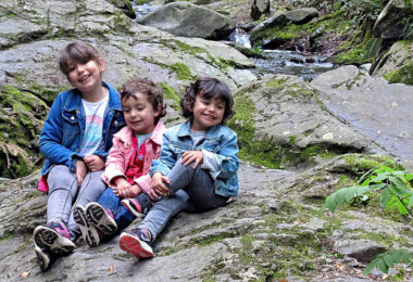 troje djece