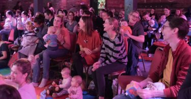 stand-up show za mame i bebe