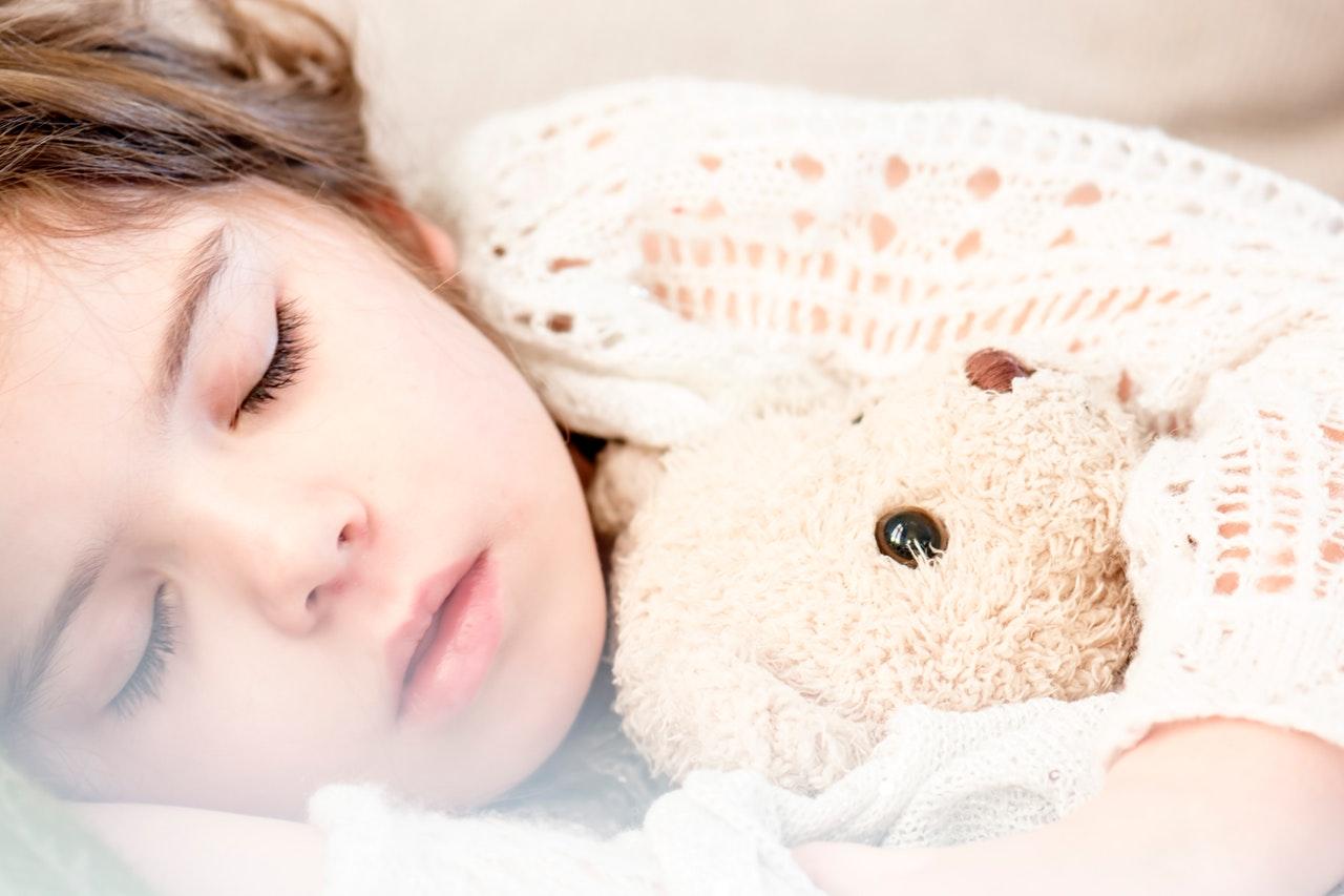 10 načina kako da djeca lakše zaspu po ljetnim vrućinama