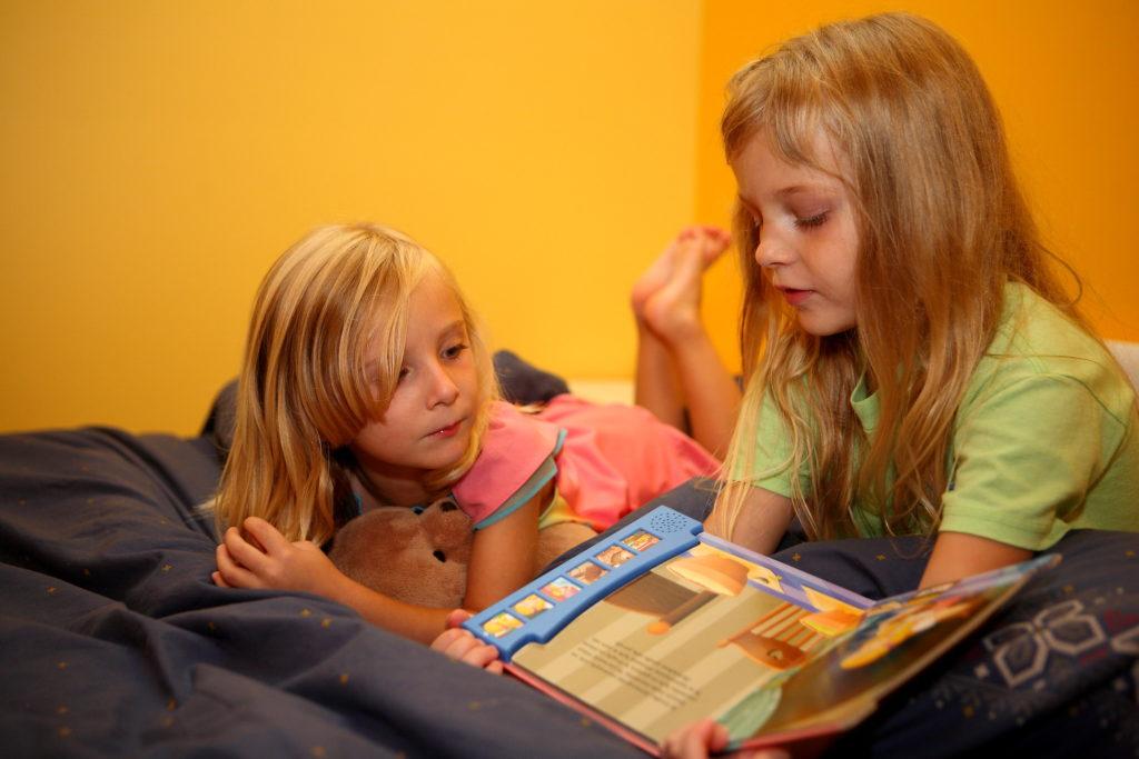 Biste li ostavili dijete da prespava kod novih školskih prijatelja iako niste upoznali roditelje?