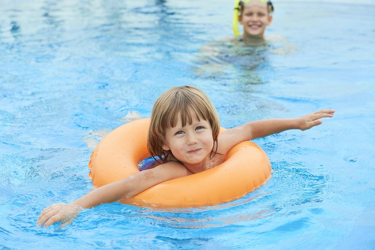 Otvaraju se bazeni i toplice – klinci nastavljaju svoje tečajeve plivanja
